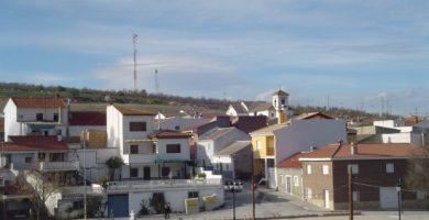 Arenas del Rey vista desde la carretera de Játar